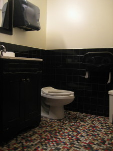 BB King small dressing room bathroom